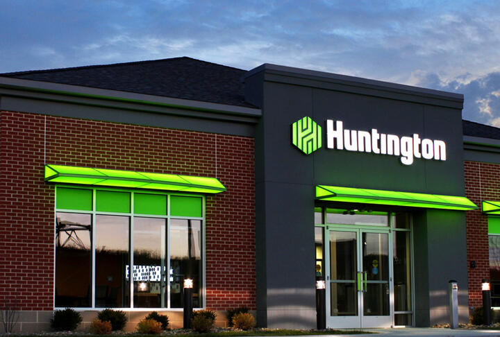 Member News: Strands Expands in the United States with Huntington Bank on Board