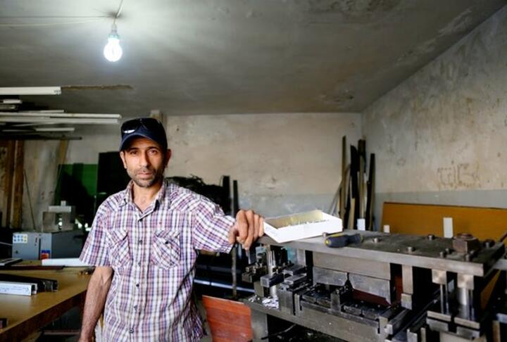 Mohammad Azaqeer, Syrian Refugee receives SME Loan